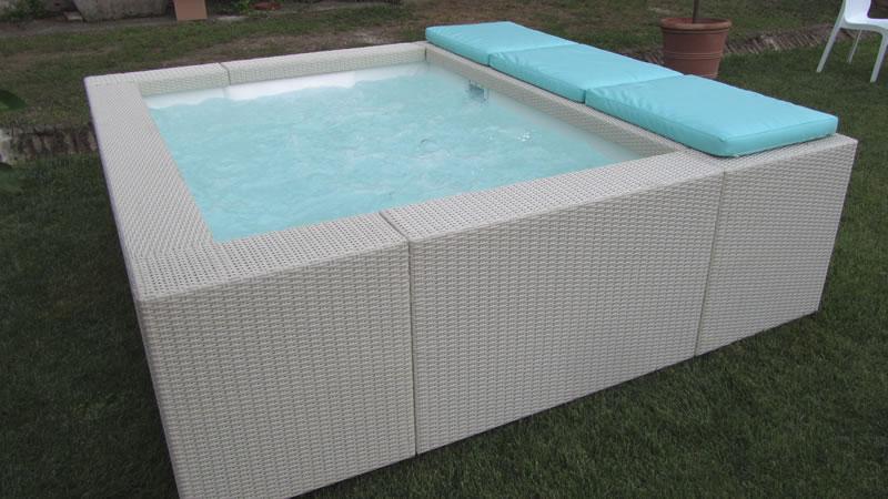Piscine zannoni s r l for Swimmingpool aufstellbecken rechteckig